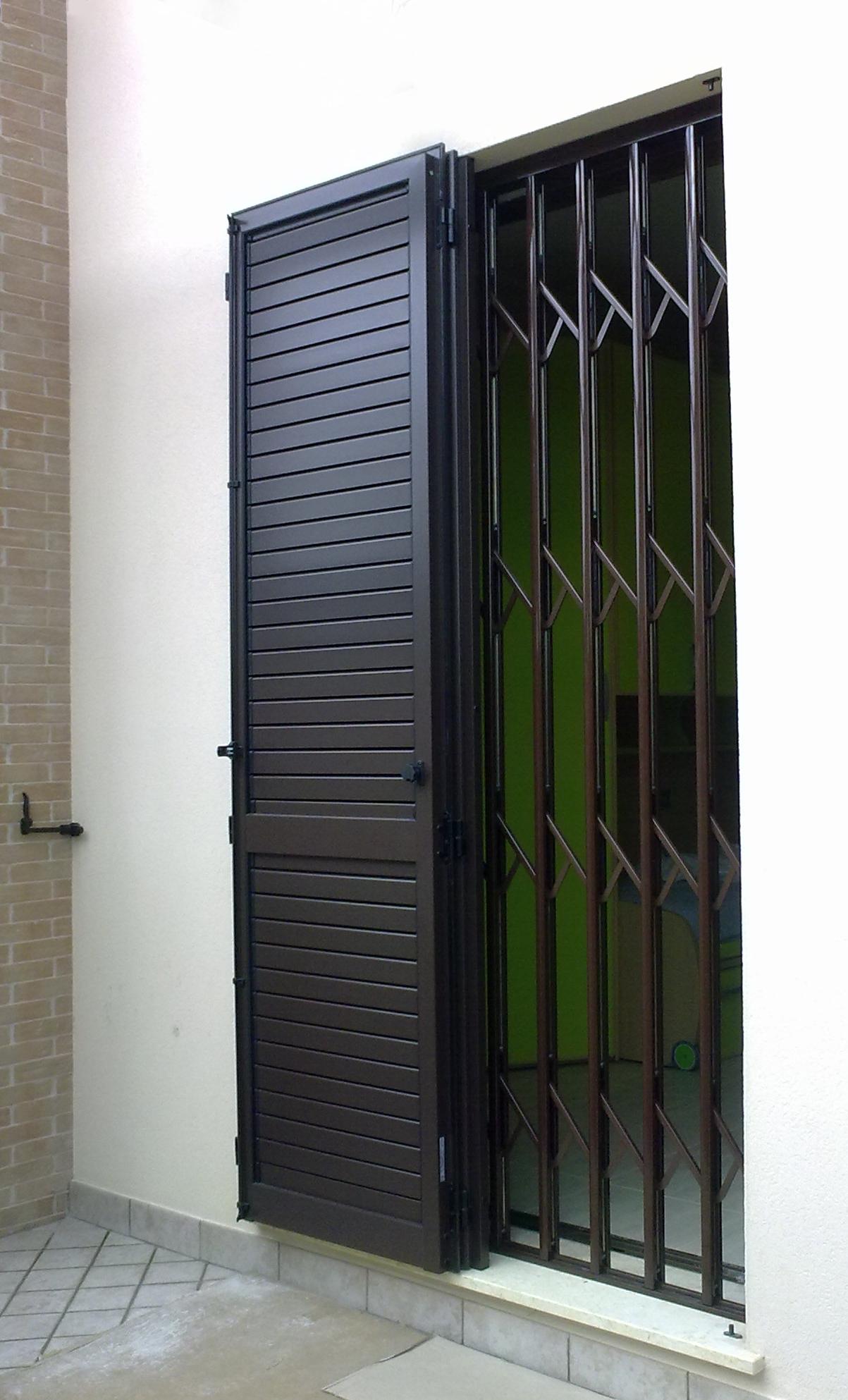 Inferriata estensibile di sicurezza silea druma - Inferriate estensibili per finestre ...