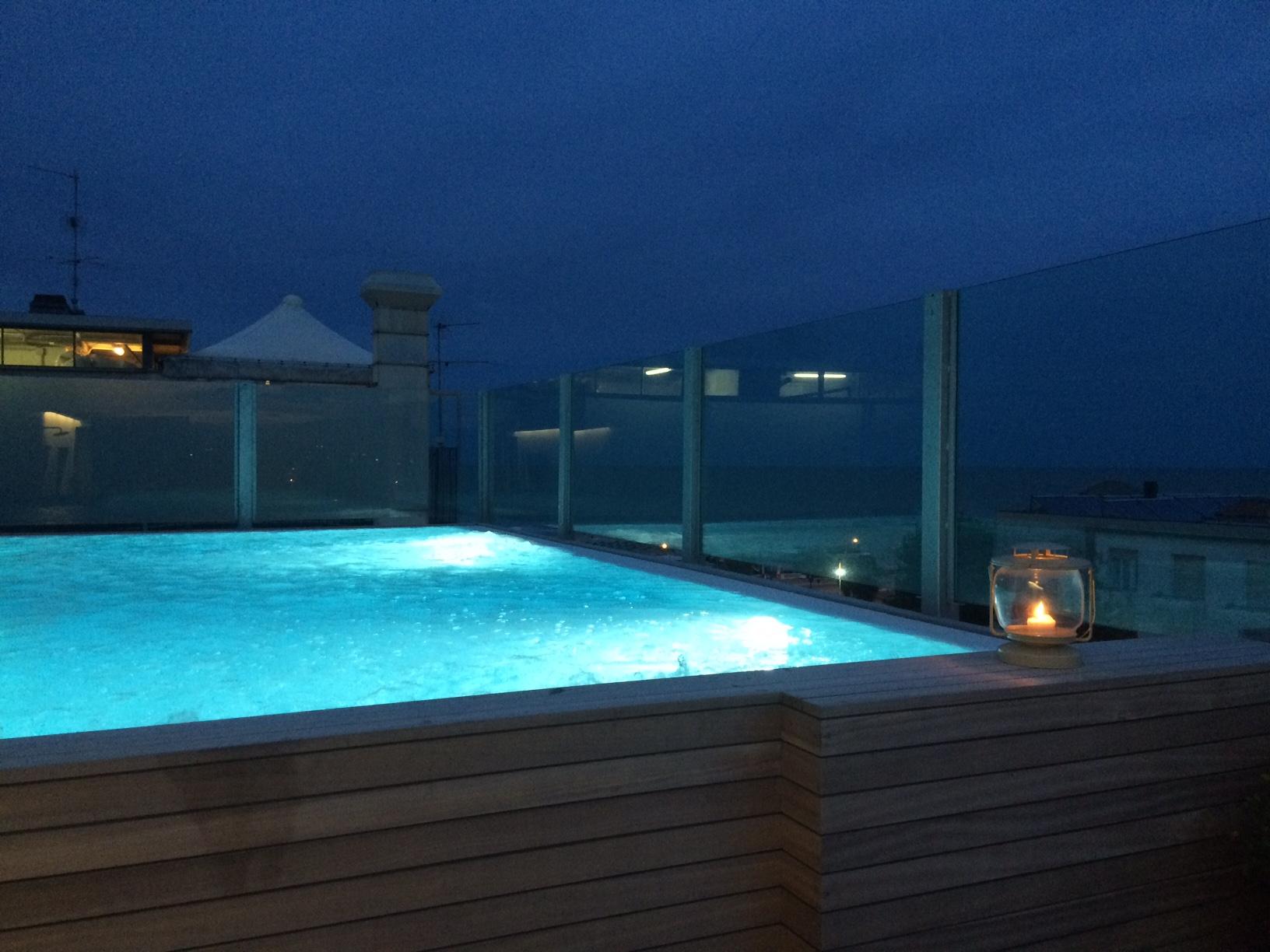 Serata in piscina dedicata ai genitori!