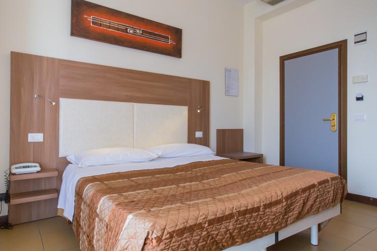 Offerta 31 luglio - 7 agosto all inclusive a Rimini. Hotel 3 stelle tutto compreso.
