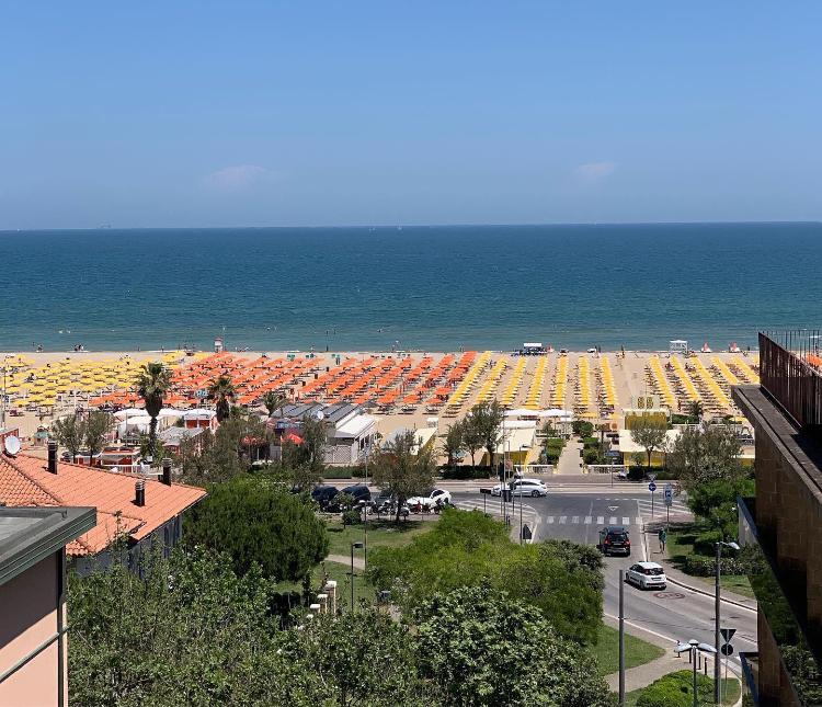 Offerte 27 giugno - 3 luglio all inclusive a Rimini. Hotel 3 stelle tutto compreso.