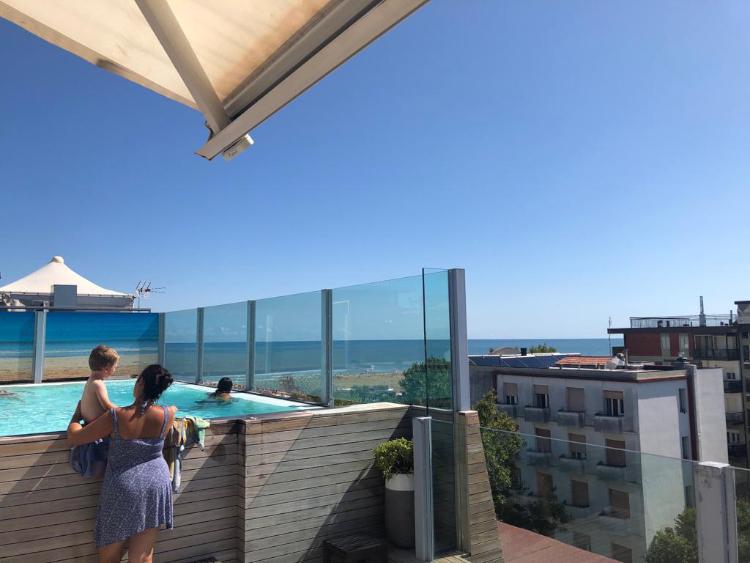 Offerte 28 agosto - 4 settembre all inclusive a Rimini. Hotel 3 stelle tutto compreso.