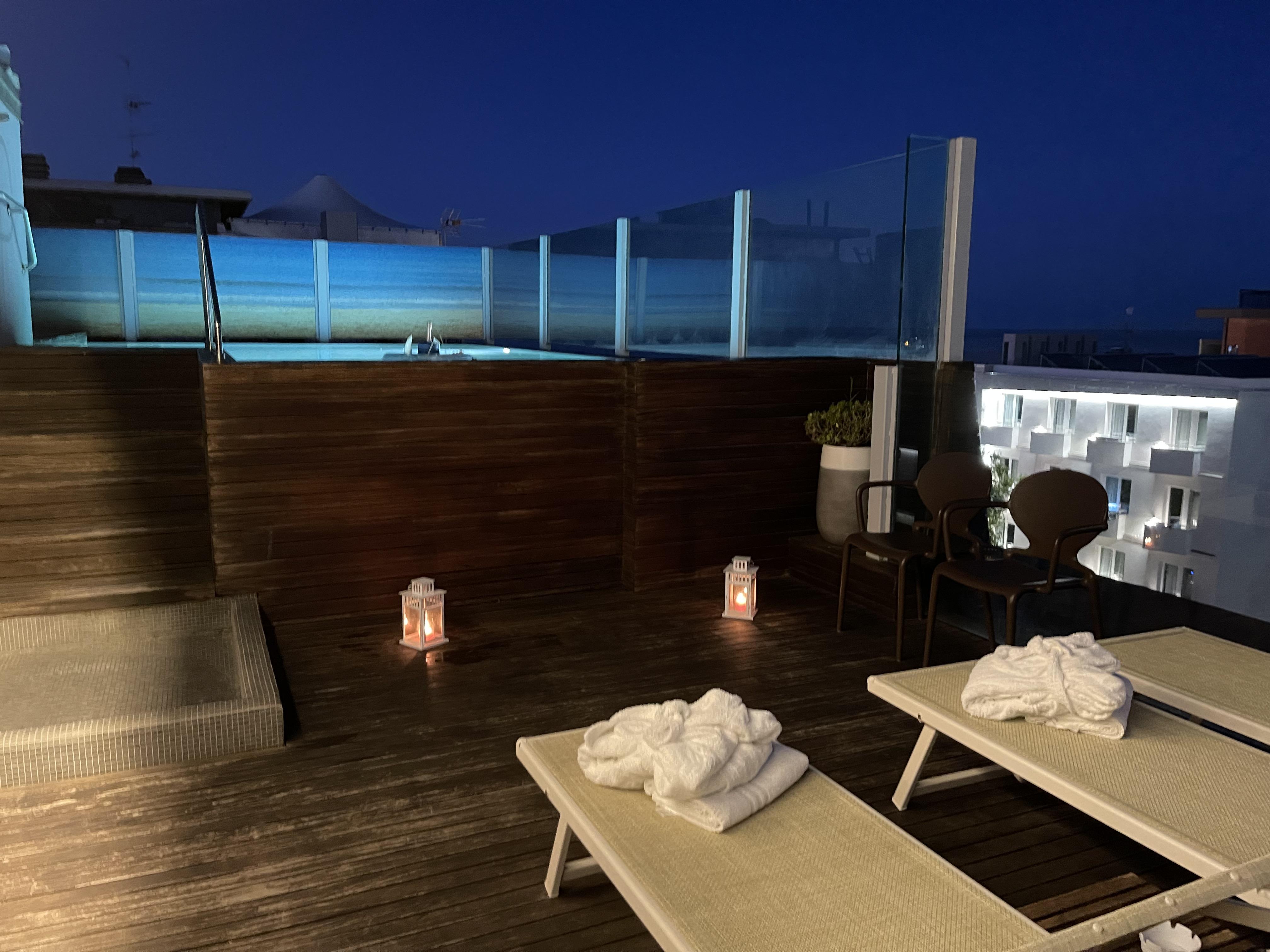 piscina-notturna-hotel-city-rimini