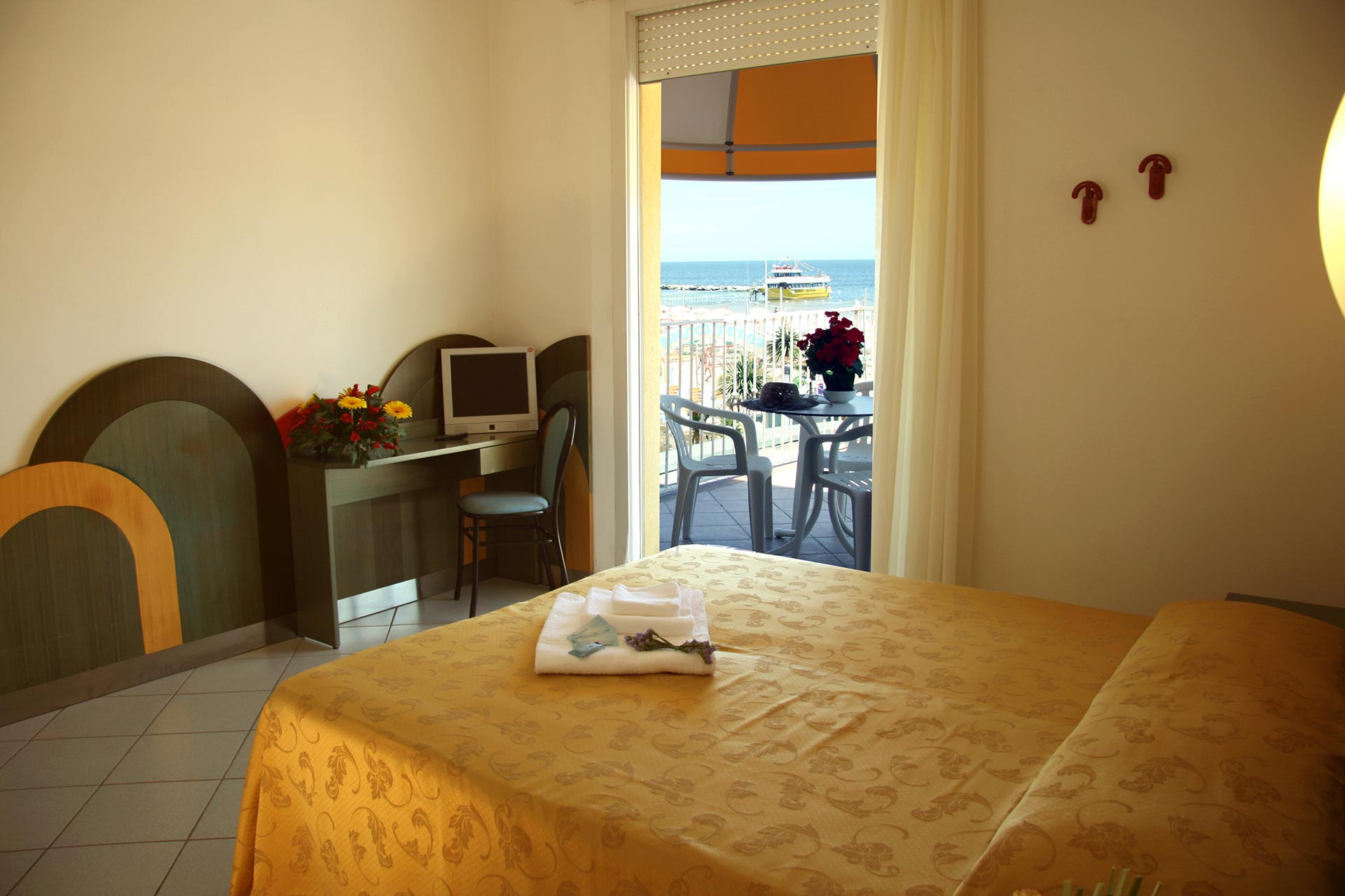 Camere Confortevoli con Vista Mare | Hotel Excelsior Bellaria